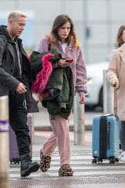 Bella Thorne without makeup in cozy jacket and pink sleepwear out in London 2019/12/03 16