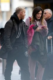 Bella Thorne without makeup in cozy jacket and pink sleepwear out in London 2019/12/03 19