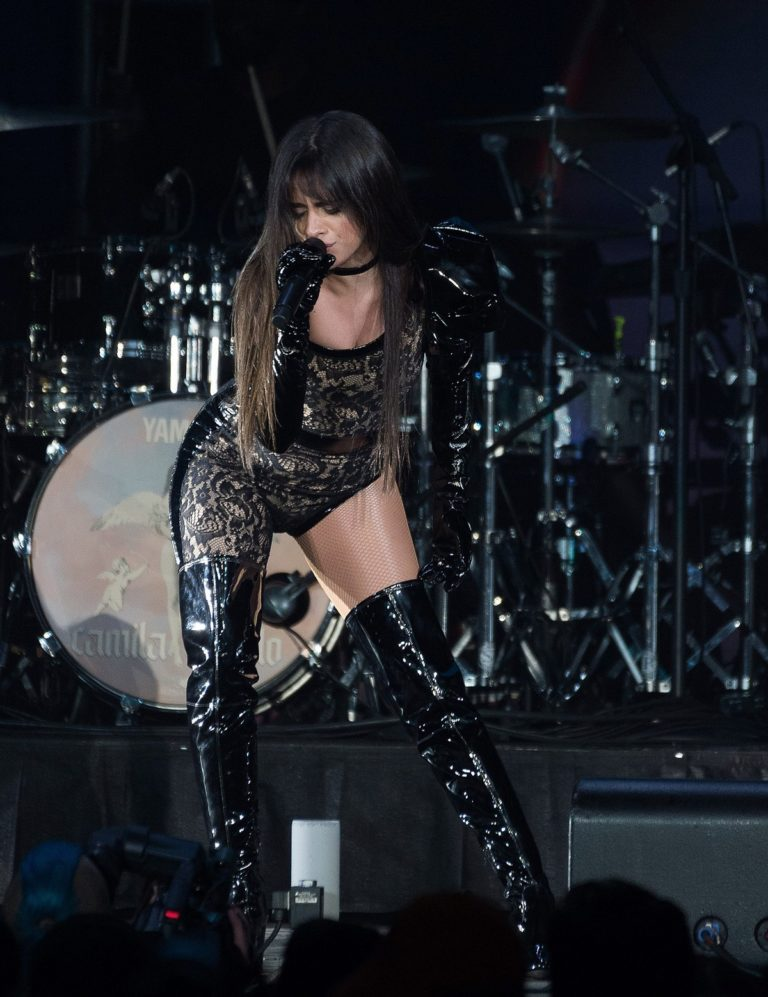Camila Cabello performs B96 Jingle Bash at the Allstate Arena in Chicago 2019/12/07 5