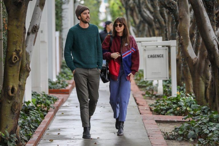 Dakota Johnson steps out in stylish winter look with her friend Blake Lee in Los Angeles 1