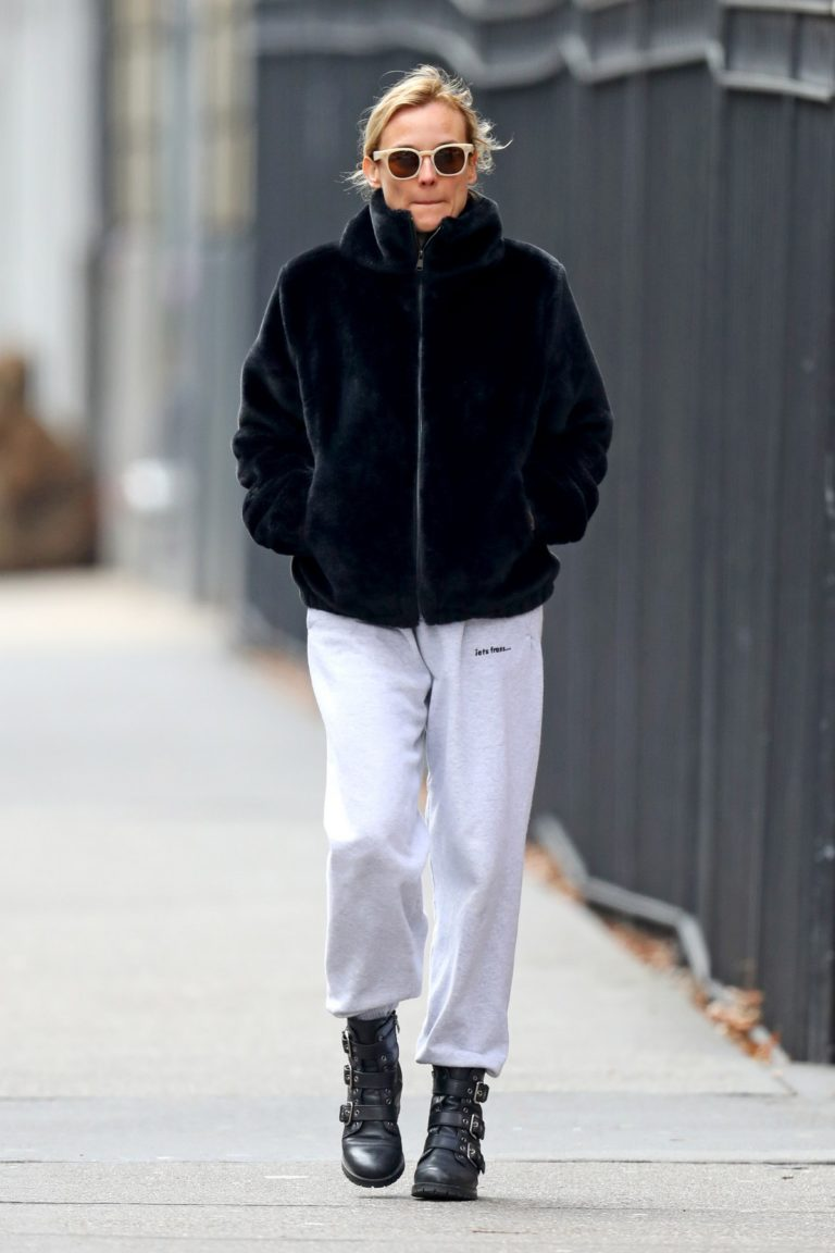Diane Kruger in Black Hoodie and White Bottom out in New York City 2019/12/18 1