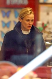 Diane Kruger seen in Black Hoodie and White Bottom Christmas Shopping out in New York City 2019/12/18 1