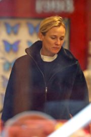 Diane Kruger seen in Black Hoodie and White Bottom Christmas Shopping out in New York City 2019/12/18 4