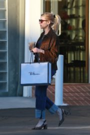 Emma Roberts in stylish brown jacket out shopping in Beverly Hills 2019/12/18 8