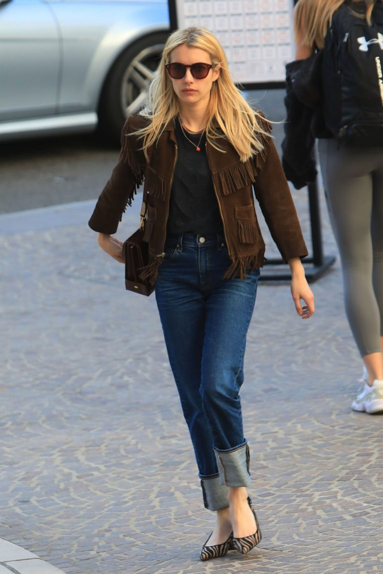 Emma Roberts in stylish brown jacket out shopping in Beverly Hills 2019/12/18 14