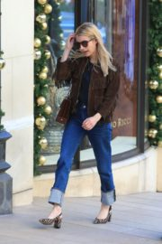 Emma Roberts in stylish brown jacket out shopping in Beverly Hills 2019/12/18 16