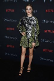 Freya Allan attends The Witcher Photocall in Hollywood 2019/12/03 5