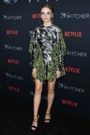 Freya Allan attends The Witcher Photocall in Hollywood 2019/12/03 7