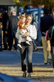 Hilary Duff with her daughter Stormi Webster out in Sherman Oaks 2019/12/19 6