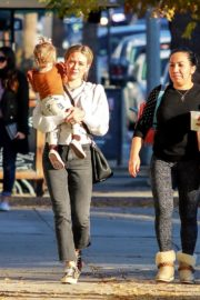 Hilary Duff with her daughter Stormi Webster out in Sherman Oaks 2019/12/19 7