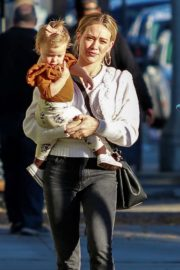 Hilary Duff with her daughter Stormi Webster out in Sherman Oaks 2019/12/19 9