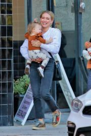 Hilary Duff with her daughter Stormi Webster out in Sherman Oaks 2019/12/19 12