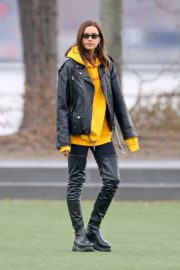 Irina Shayk Poses in yellow top with leather jacket out in New York City 2019/11/27 1