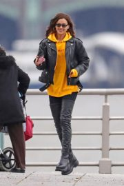 Irina Shayk Poses in yellow top with leather jacket out in New York City 2019/11/27 3
