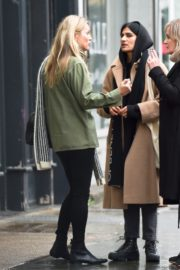 Kate Moss with friend out in Notting Hill, London 2019/11/27 3