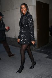 Kelly Rowland seen in black outfit outside The Today Show in New York 2091/11/26 6