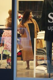 Pregnant Jenna Dewan with her daughter Everly Tatum shopping out in Beverly Hills 2019/11/30 4