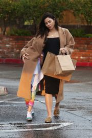 Pregnant Jenna Dewan with her daughter Everly Tatum shopping out in Beverly Hills 2019/11/30 6