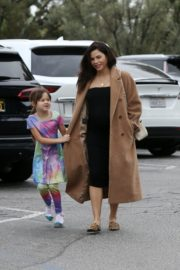 Pregnant Jenna Dewan with her daughter Everly Tatum shopping out in Beverly Hills 2019/11/30 10