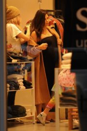 Pregnant Jenna Dewan with her daughter Everly Tatum shopping out in Beverly Hills 2019/11/30 13