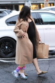Pregnant Jenna Dewan with her daughter Everly Tatum shopping out in Beverly Hills 2019/11/30 17