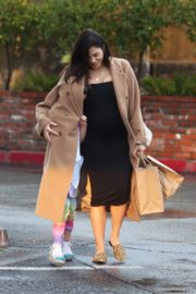 Pregnant Jenna Dewan with her daughter Everly Tatum shopping out in Beverly Hills 2019/11/30 21