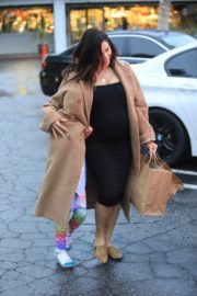 Pregnant Jenna Dewan with her daughter Everly Tatum shopping out in Beverly Hills 2019/11/30 22