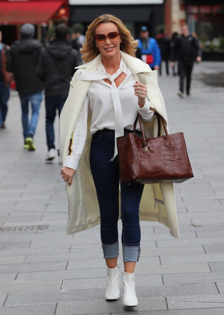 Amanda Holden outside Heart Radio in London 2020/01/31 4