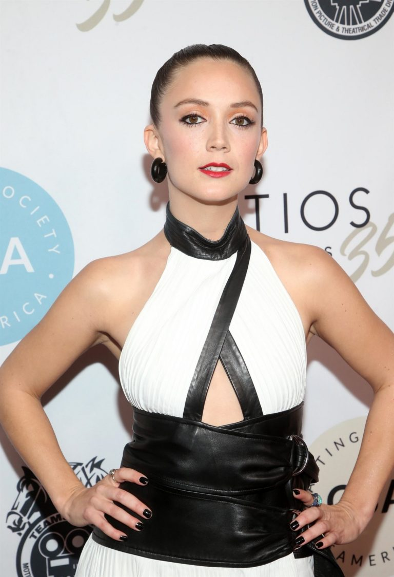 Billie Lourd attends 2020 Casting Society of America's Artios Awards in Beverly Hills 2020/01/30 5