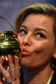 Elizabeth Banks at Harvard University's Hasty Pudding Theatricals Woman of the Year 2020/01/31 2