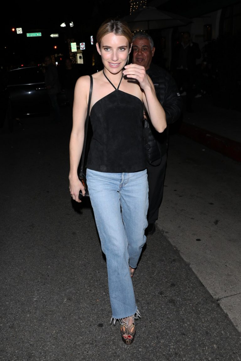 Emma Roberts leaves after dinner at Italian Restaurant Madeo in Beverly Hills 2020/01/31 1