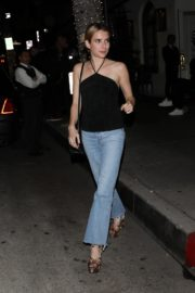 Emma Roberts leaves after dinner at Italian Restaurant Madeo in Beverly Hills 2020/01/31 2