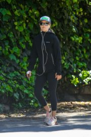 Ali Larter out and about in Pacific Palisades Los Angeles, California 2020/03/25 9