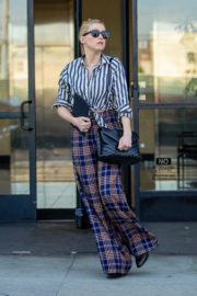 Amber Heard in lining shirt with checked bottom in Beverly Hills, California 2020/03/04 1