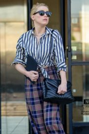Amber Heard in lining shirt with checked bottom in Beverly Hills, California 2020/03/04 2