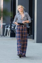 Amber Heard in lining shirt with checked bottom in Beverly Hills, California 2020/03/04 3
