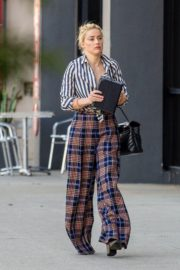 Amber Heard in lining shirt with checked bottom in Beverly Hills, California 2020/03/04 5