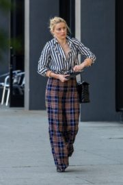 Amber Heard in lining shirt with checked bottom in Beverly Hills, California 2020/03/04 7