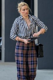 Amber Heard in lining shirt with checked bottom in Beverly Hills, California 2020/03/04 8
