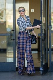 Amber Heard in lining shirt with checked bottom in Beverly Hills, California 2020/03/04 12