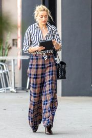 Amber Heard in lining shirt with checked bottom in Beverly Hills, California 2020/03/04 16