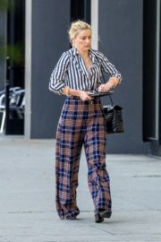Amber Heard in lining shirt with checked bottom in Beverly Hills, California 2020/03/04 18