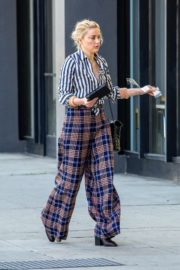 Amber Heard in lining shirt with checked bottom in Beverly Hills, California 2020/03/04 21