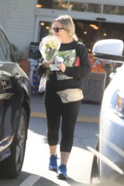 Amy Poehler seen in black dress out and about in Beverly Hills 2020/03/26 12