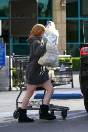 Ariel Winter flashes beautiful legs during a trip to Gelson's in Los Angeles, California 2020/03/29 8