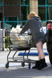 Ariel Winter flashes beautiful legs during a trip to Gelson's in Los Angeles, California 2020/03/29 9