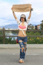 Bai Ling seen in pink dotted bra and ripped jeans during Coronavirus 2020/03/25 5