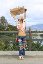 Bai Ling seen in pink dotted bra and ripped jeans during Coronavirus 2020/03/25 7