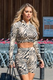 Bianca Gascoigne seen in tights at Sainsburys in Kent, Michigan 2020/26/03 5