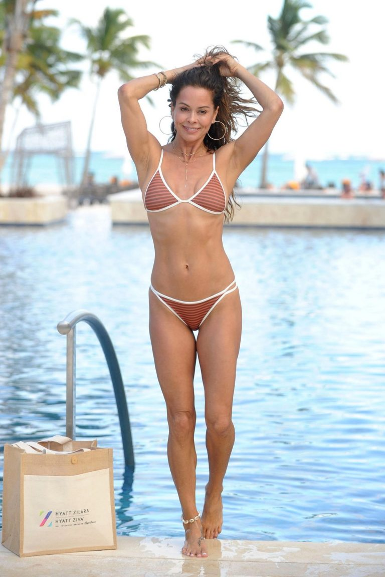 Brooke Burke seen in brown lining tiny bikini at Hyatt Zilara Resorts in the Dominican Republic 2020/02/06 4